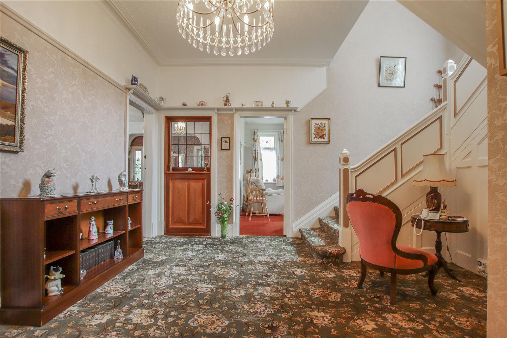 5 Bedroom Detached House For Sale - 45.JPG